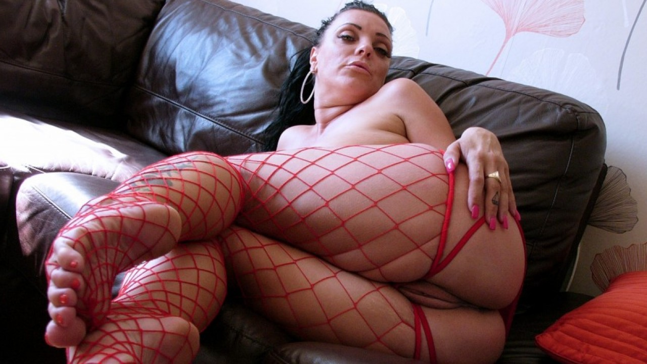 Adreena winters fucking herself with a glass dildo 5